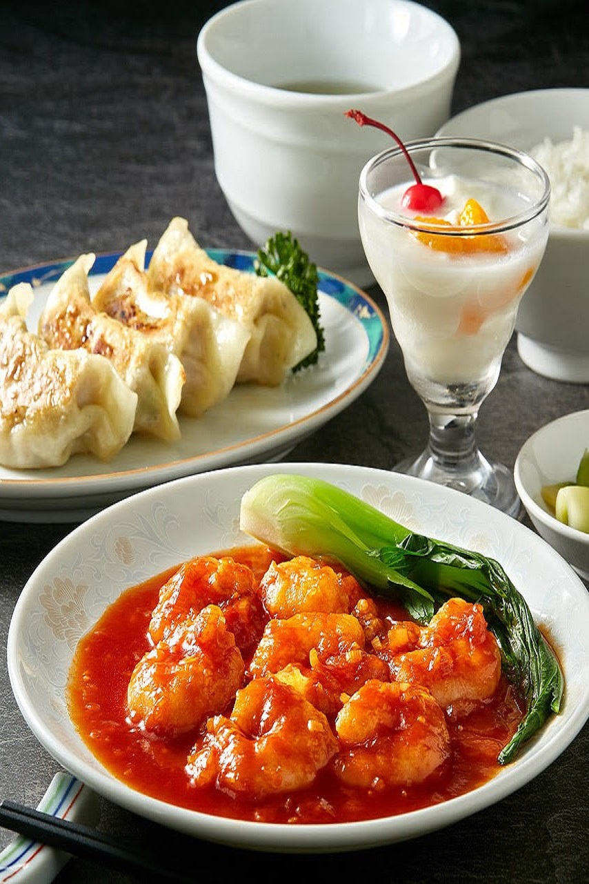 中華ランチ(焼き餃子、海老チリ)