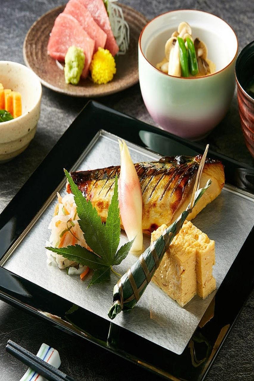 宍戸和食膳 鯖西京焼き お刺身
